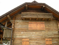 Restoration of 300 years old wooden house - Slika 3